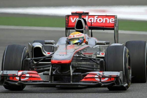 Hamilton marchó sin problema alguno hacia la meta, después de superar a...