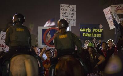 'Los Ángeles en un Minuto': manifestación de supremacistas blancos en La...
