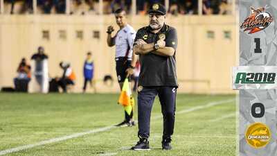 Entre reclamos al árbitro, Maradona sufrió su primera derrota en Ascenso MX
