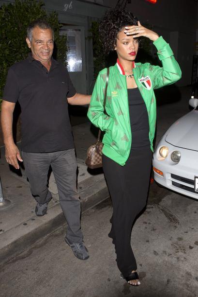 Otro cantante que siguió los pasos de Rihanna al apoyar al TRI fue el ra...