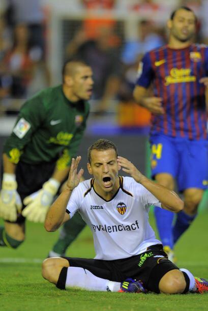 Y Roberto Soldado, uno de los goleadores de la Liga, increíblemente se p...