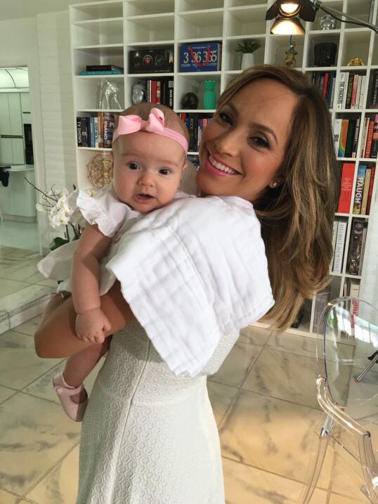 Baby Alana hija de Satcha Pretto