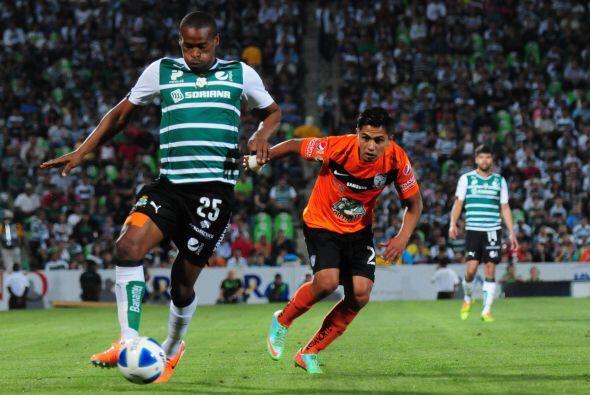 Jugó los 180 minutos de la serie, tiró tres veces a gol, no recibió ning...