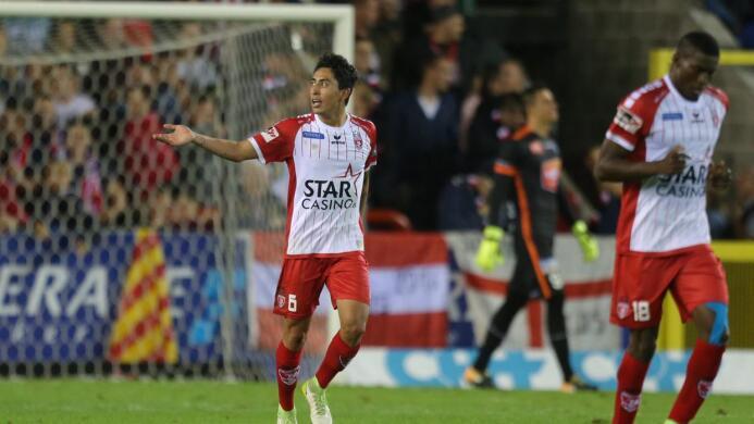Gent 3-[1] Mouscron: Omar Govea fue titular con el Royal Excel y jugó 61...