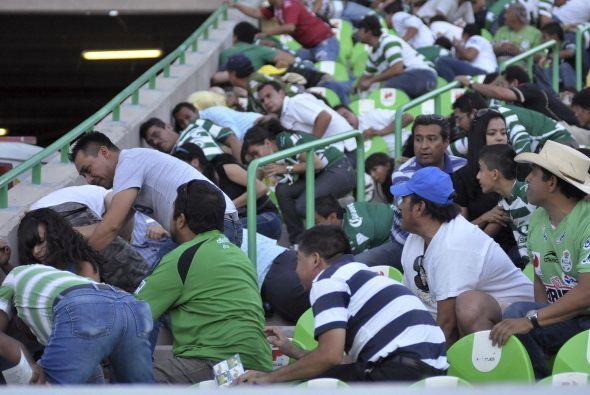 No es que en Torreón inventaron la Ola al revés. Los aficionados se tuvi...