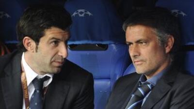 Figo y Mourinho en una imanegn durante la etapa en la que ambos coincidi...