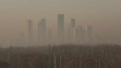China sigue construyendo vecindarios y ciudades. En la foto, Pekí...