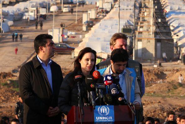 En plena época de premios en Hollywood, la estrella de cine viajó a Irak...