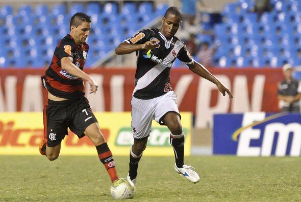 En Río de Janeiro, Flamengo ganó su cuarto partido al vencer al Vasco qu...