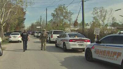 Algunas escuelas en Houston cerraron de emergencia por persecución policial a sospechoso de herir a tres agentes