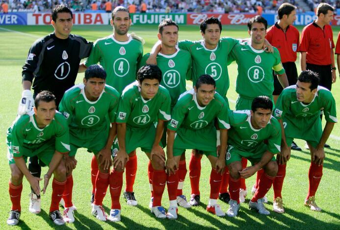 Además, en la Copa Confederaciones del 2005, Argentina eliminó a Mexico...
