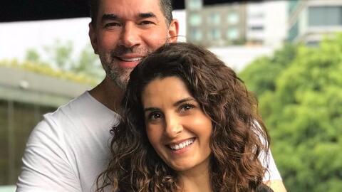 Mayrín Villanueva celebra 47 años de edad junto a los amor...