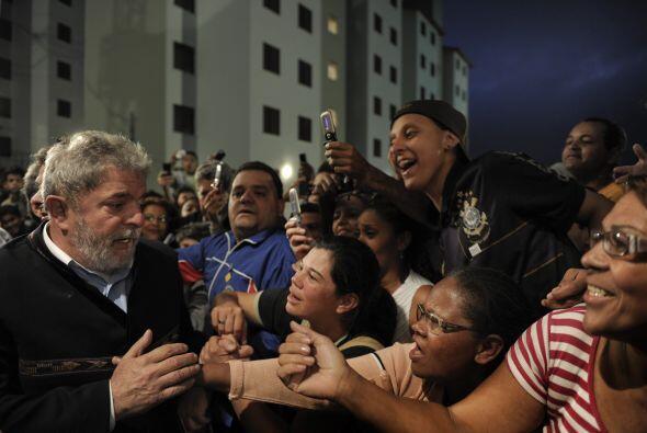 El presidente de Brasil, Luiz Inácio Lula Da Silva, encabez&oacut...