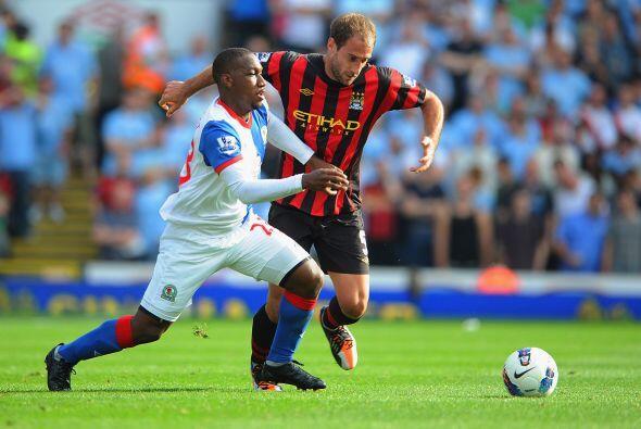 Blackburn Rovers enfrentó al Manchester City. El defensor argentino Pabl...