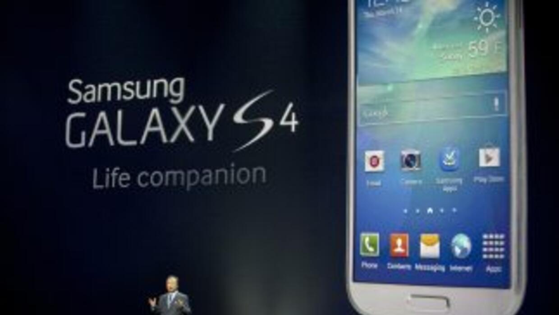 Apple mantiene una batalla legal con Samsung, su principal competidor, p...
