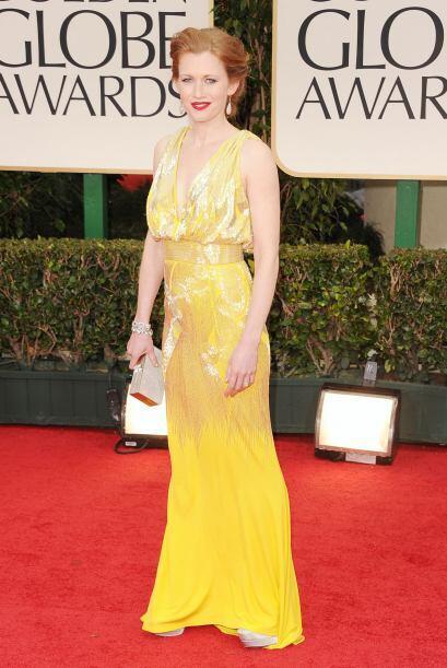 Mireille Enos lució muy pálida con ese amarillo, ¿no les parece?