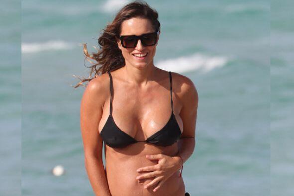 La argentina es una de las famosas que aún con embarazo luce un cuerpo e...