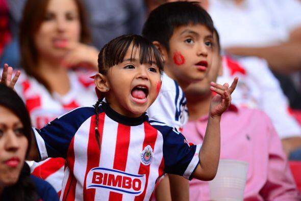 Mira las mejores postales de la afición en los estadios durante la jorna...