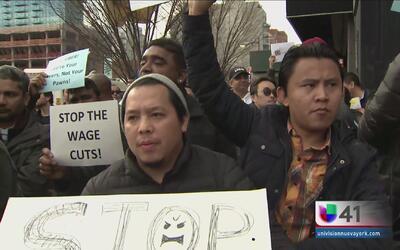 Taxistas Uber protestan recorte de tarifas