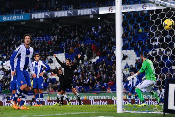 La Real, que agarró la victoria gracias a un gol en propia meta del urug...