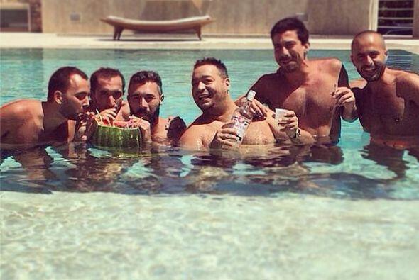 Giorgio Chiellini de Italia también subió imágenes de sus vacaciones en...