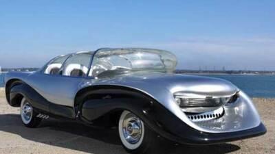 Fotos del Aurora, el auto más feo de la historia