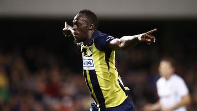 ¡Usain Bolt se estrenó como goleador… y con doblete!