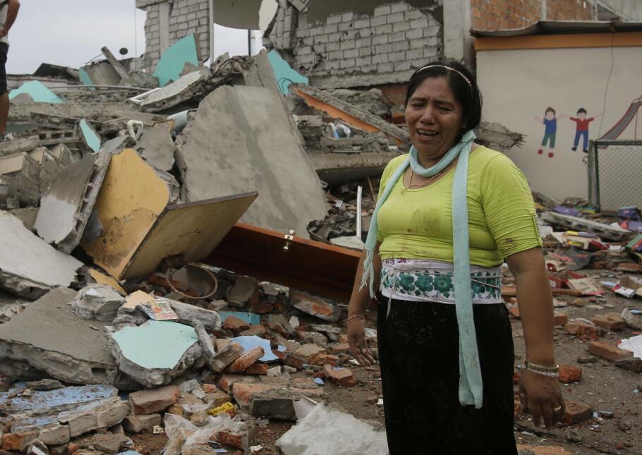 Las imágenes que nos deja el potente terremoto en Ecuador  sraEcuador%20...
