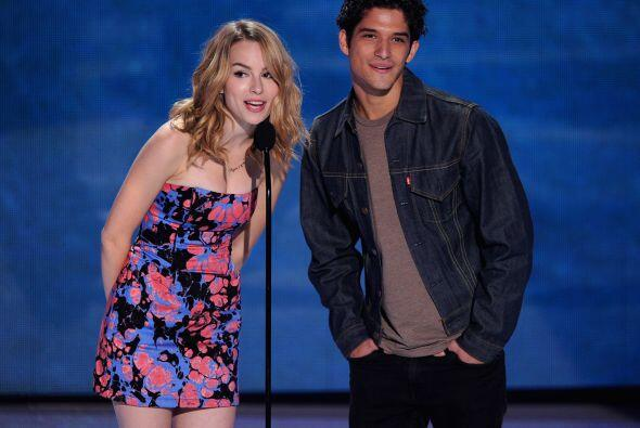 """Bridgit Mendler y Tyler Posey de """"Teen Wolf"""". Mira aquí lo último en chi..."""
