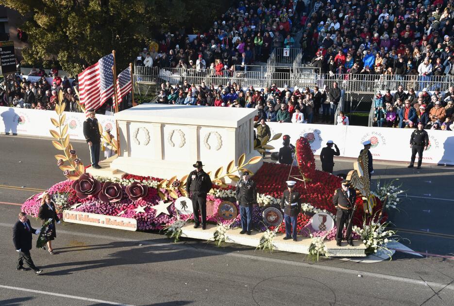 Miles de personas disfrutaron de este tradicional desfile lleno de músic...
