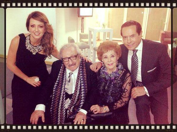 """""""Qué lujo estar con el gran primer actor y maravillosa persona #DonLuisG..."""