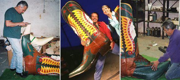 Las botas miden casi 1.40 metros de alto (4 pies, 6 3/4 pulgadas) y 1.20...