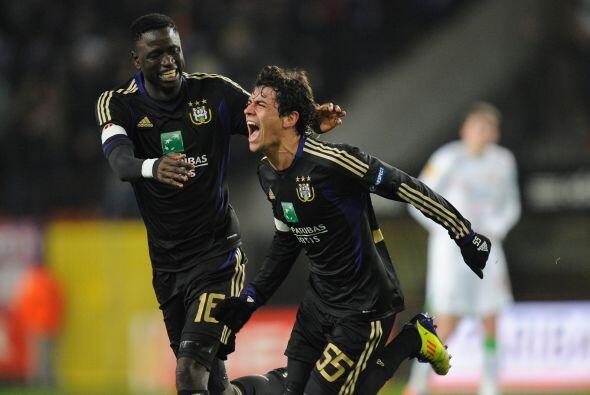 Victoria contundente del Anderlecht por 5-3 y así sumó 18 puntos de 18 p...