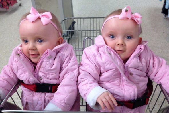 Las pequeñas Chris y Connie pasaron 20 días en cuidados especiales y des...