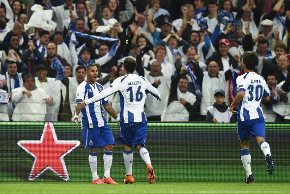 El mexicano Héctor Herrera dio un gran partido y mostró la magnífica ada...