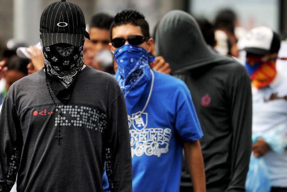 Son conocidos por su uso de la violencia y un código moral propio que co...