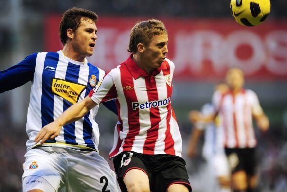 Para la campaña 2010-201,1 el Athletic no clasificó a torneos europeos,...