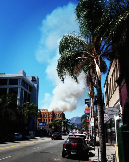 La nube de humo se veía a distancia.