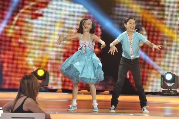 La pareja del escuadrón de Megaestrellas bailaron el difícil ritmo del r...