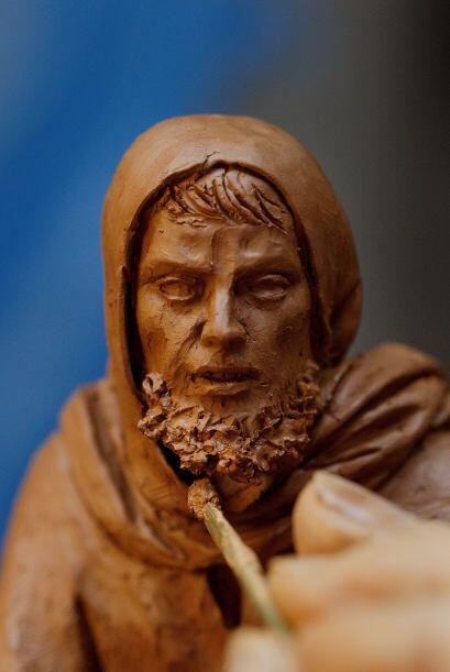 Y el único en Madrid que produce figuras de barro originales y he...