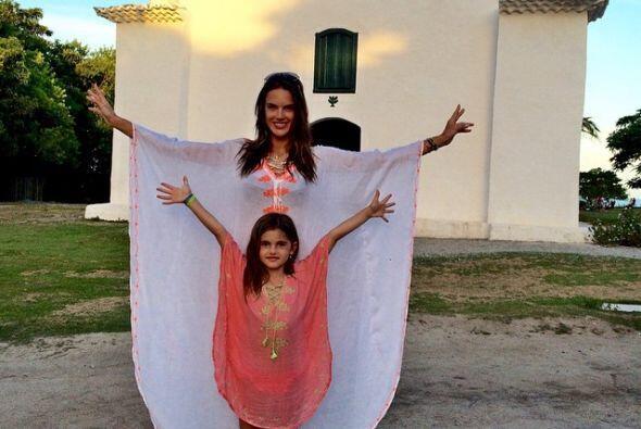 En esta foto posando con su hija, Anja.