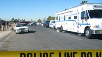 Policia de Phoenix esperando por el sospechoso