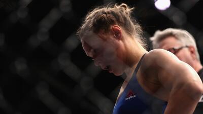 Así fueron los 48 segundos de 'dolor' de Ronda Rousey ante Amanda Nunes