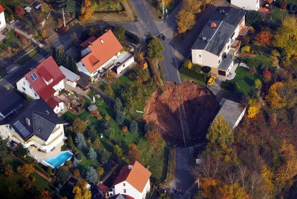 Algunos vecinos ya volvieron a sus viviendas ya que sus casas se encuent...