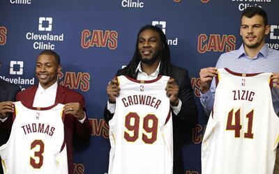 LeBron James firma contrato de por vida con Nike AP_17250633875161.jpg
