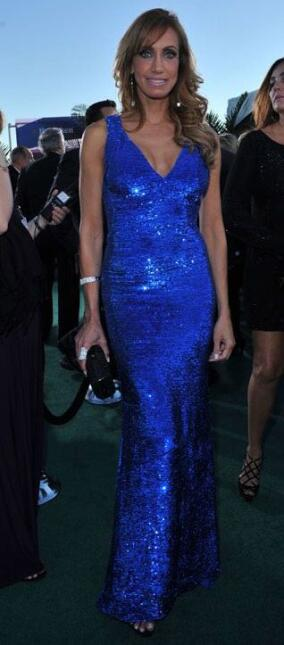 En el 2010 Lili Estefan llegó con un vestido azul que resaltó su mirada...