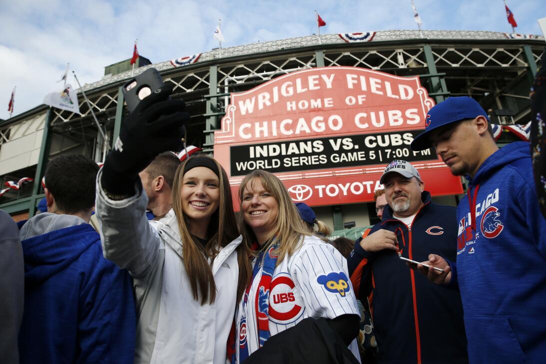 La fe inacabable de los fanáticos de Chicago Cubs  AP_16304792923712.jpg