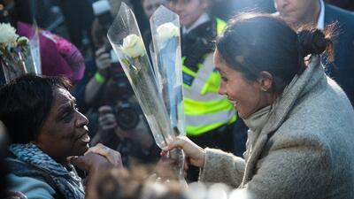 Recibidos como reyes el príncipe Harry y su prometida Meghan Markle