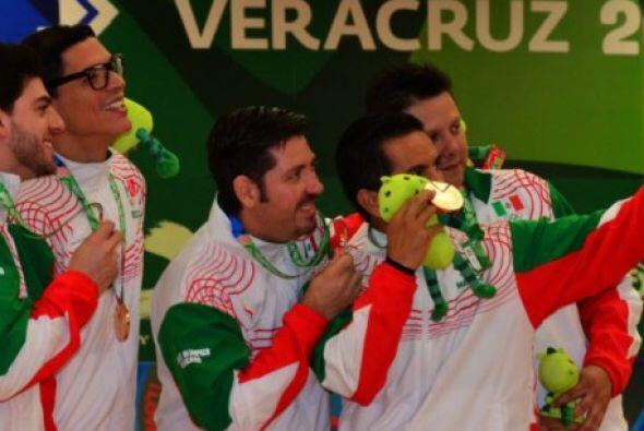 El conjunto de Puerto Rico ganó  la medalla de oro en Boliche en...