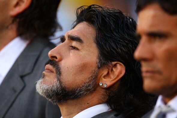 En el 2001 mantenía contacto cercano con el ex presidente de Argentina ,...